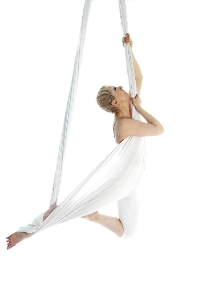 elena pepori antigravity yoga 2