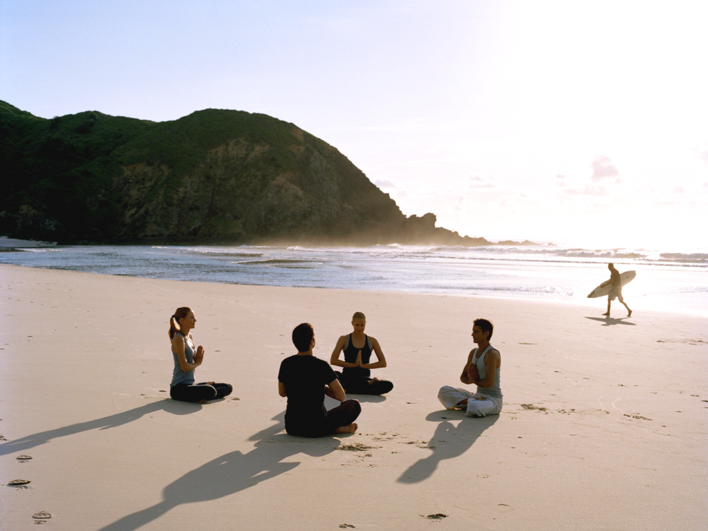 BEACH YOGA CHALLENGE : VIDEO TUTORIAL PER PRATICARE YOGA IN VACANZA