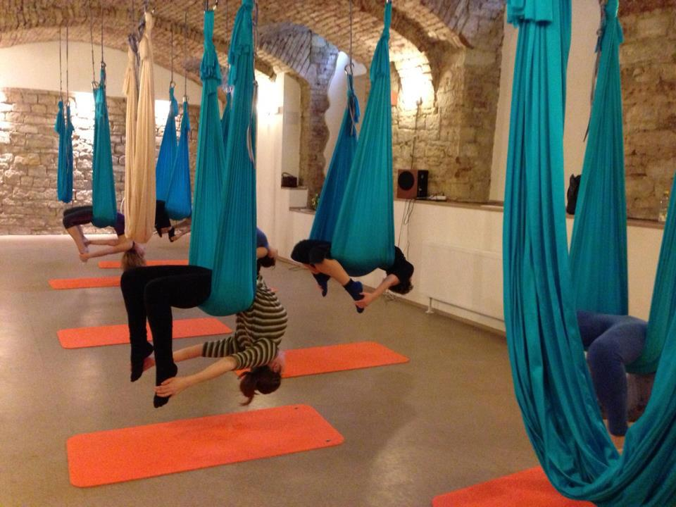 flying yoga vertige pole time (3)